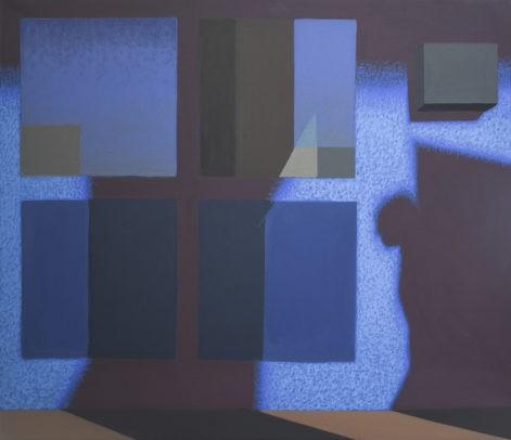 """Obraz """"Geometria światła VII"""", tempera żółtkowa na płótnie, 60x70 cm, cień człowieka na tle niebieskiej ściany, z cyklu """"międzyprzestrzeń"""", obraz figuratywny, geometryczne podziały, światłocień, błękity"""
