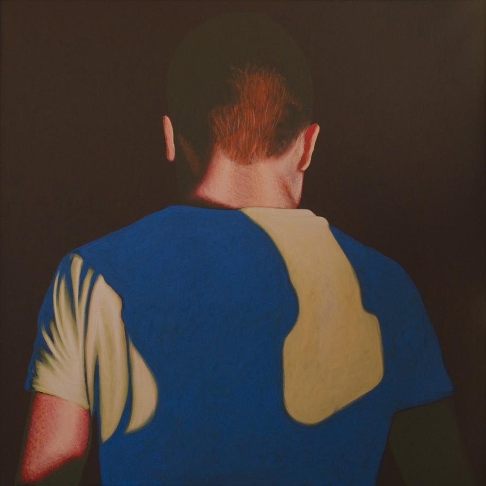 """Obraz """"Pomiędzy V"""", z cyklu """"międzyprzestrzeń"""", postać mężczyzny stojącego tyłem w mocnym kontrastowym świetle, obraz figuratywny"""
