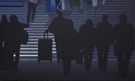 """Obraz """"W tunelu"""", z cyklu """"światłoczułe"""", sylwetki podróżujących w mocnym kontrastowym świetle na schodach"""