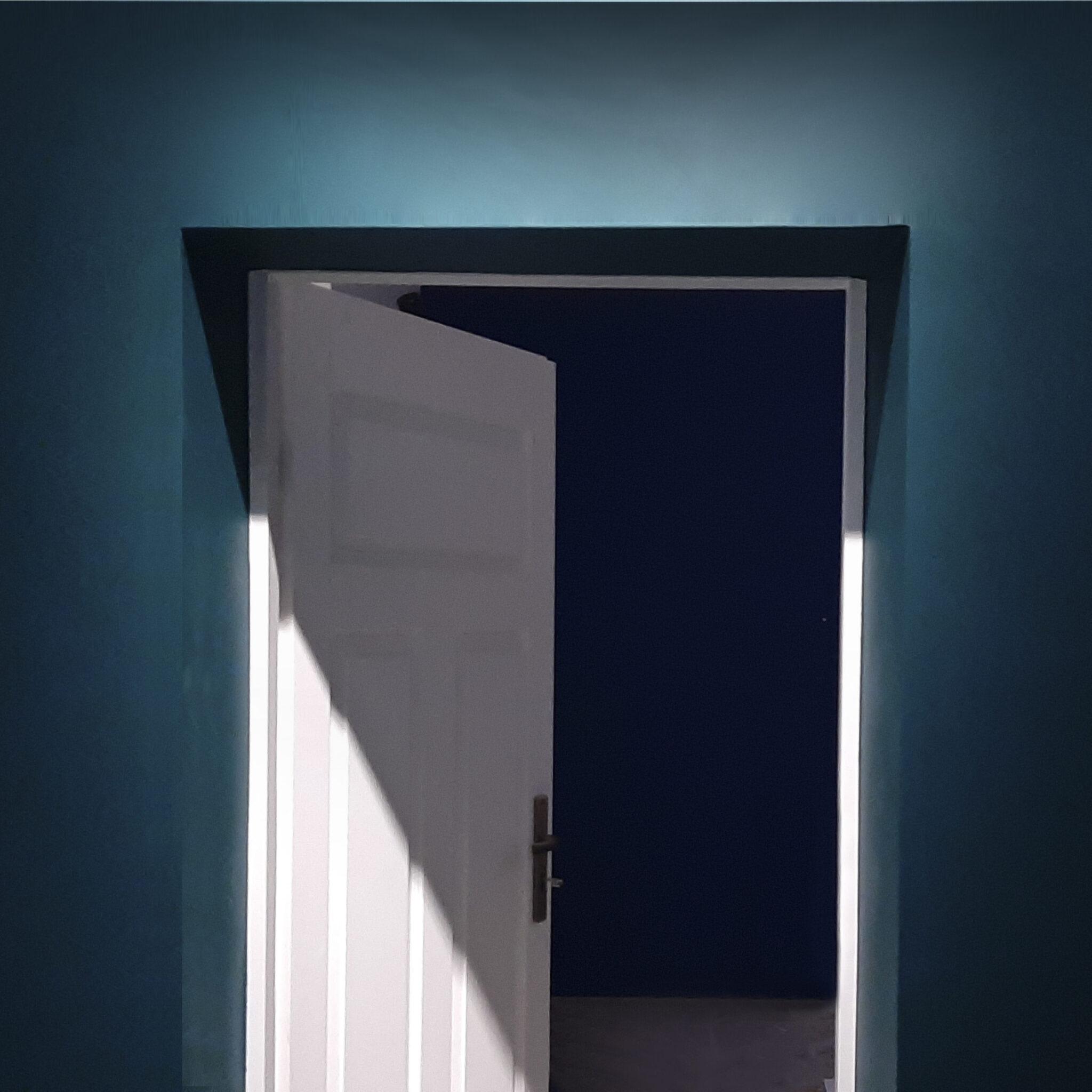otwarte drzwi do pracowni malarskiej Dariusz Milczarka
