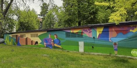 """Mural Dariusza Milczarka """"Przeszłość – współczesność – przyszłość Nowej Huty"""""""
